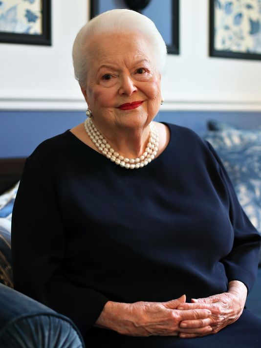 636029750404270872-AP-France-Olivia-de-Havilland